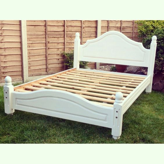 Shabby chic double bed