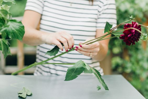 | how to make the perfect flower arrangement |