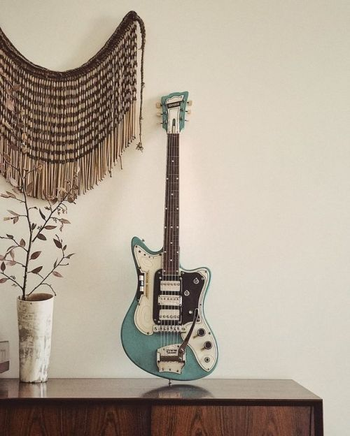 Nz Made Commodore From The Early 60 S Guitar Custom Guitars Commodore