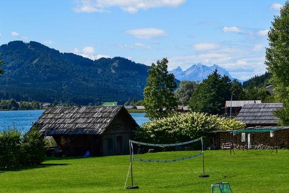 Dolomitenblick vom Weissensee Kärnten http://www.travelworldonline.de/traveller/weissensee-kaernten-ein-echter-geheimtipp-in-oesterreich/?utm_content=buffer91b0e&utm_medium=social&utm_source=pinterest.com&utm_campaign=buffer ... #see #kärnten #weissensee #österreich #dolomiten
