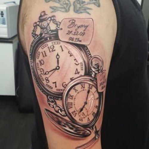Tatuajes De Relojes De Bolsillo Los Mejores Disenos Pocket Watch Tattoos Watch Tattoos Tattoos For Kids