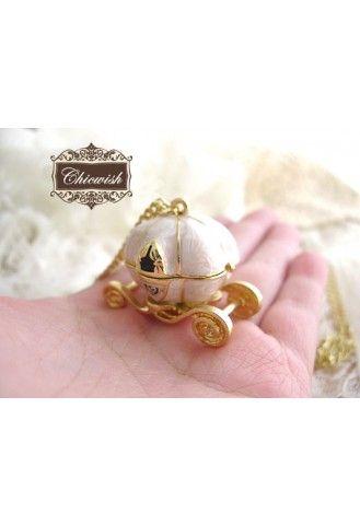 Snow White Pumpkin Car Necklace