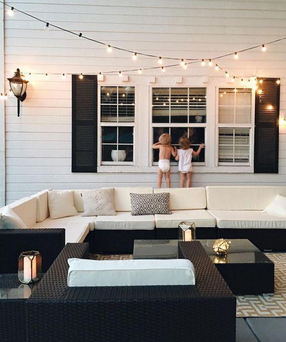 Black + white patio: