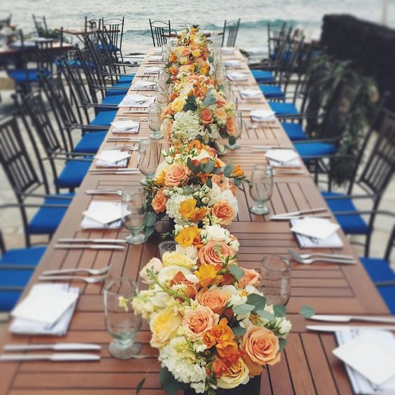 Today's Spring ceremony by the sea! #ceremonybythesea #blissinbloom #hawaiiwedding #bigislandwedding #konawedding #spring Bliss In Bloom #Hawaii #Weddings www.blissinbloom.com