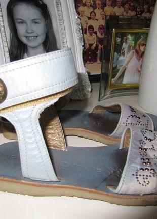 Kaufe meinen Artikel bei #Mamikreisel http://www.mamikreisel.de/kleidung-fur-madchen/sandalen/14613393-parrot-italy-gr-31-sandalen-sommerschuhe-leder-jeans-glitzer-festlich