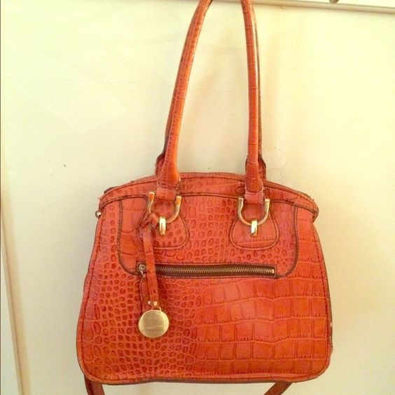 Purse Burnt orange purse. Great size and great for any outfit. Bags Shoulder Bags