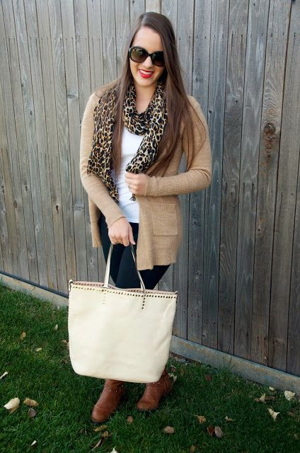 Fall outfit. Purse giveaway! #ootd #scarf #purse #boots #outfit #xmas_present #xmas_gifts