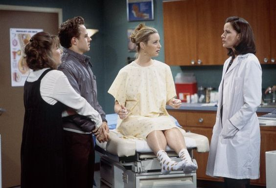 Still of Giovanni Ribisi, Lisa Kudrow, Cindy Katz and Debra Jo Rupp in Friends (1994)