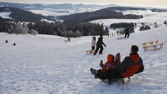 Skifahren in der Rhön: Gorillas im Nebel