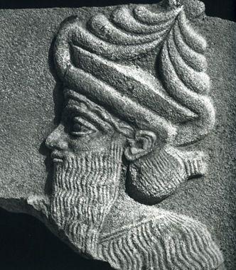 ENLIL ( ELLIL) een complexe god die zichzelf op een krachtige en aggresieve wijze uitte in woeste stormen maar die ook zorgde voor de groei van gewassen