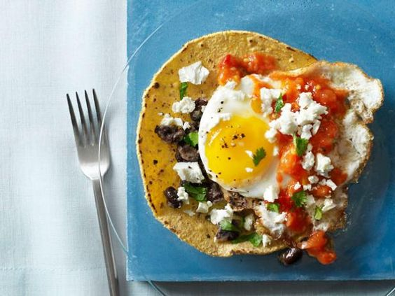Sunny's fresh and light Huevos Rancheros from #FNMag