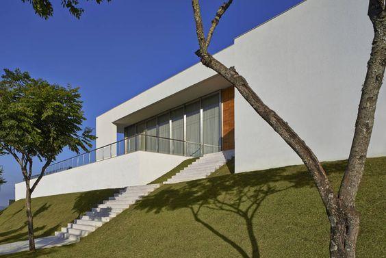 Casa no Condomínio Serra dos Manacás por {company_name} | homify