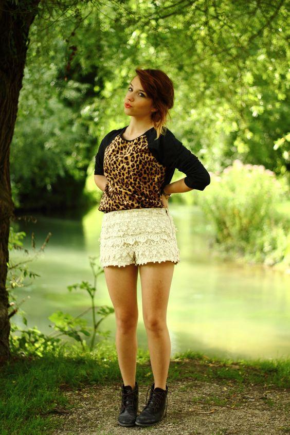 Top & Short : Zara  Botas/Boots: Monoprix