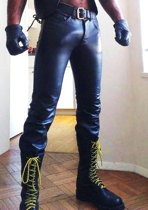 tight and very full leather pants | Mannen in leer, Mannen