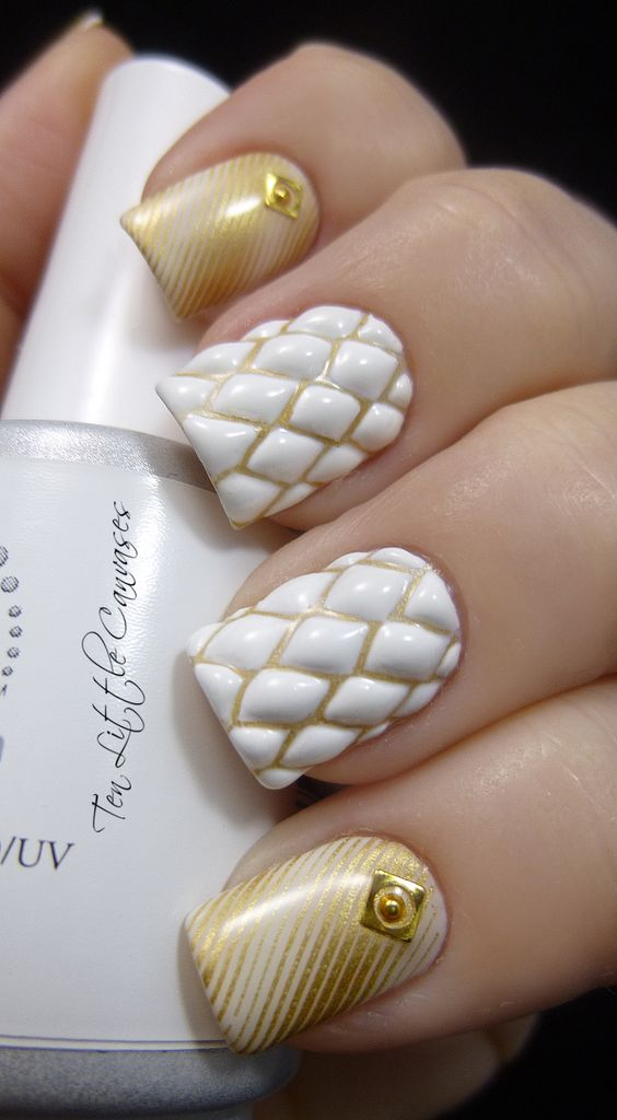 Weekly mani: Quilted Nail Design