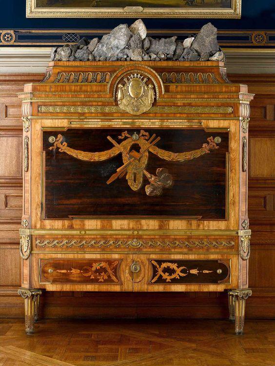 Dating wood furniture