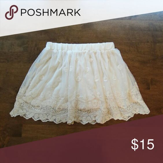Lace skirt Layered, never worn Forever 21 Skirts Mini