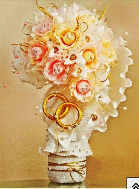 Bouquet de  y papel crepe