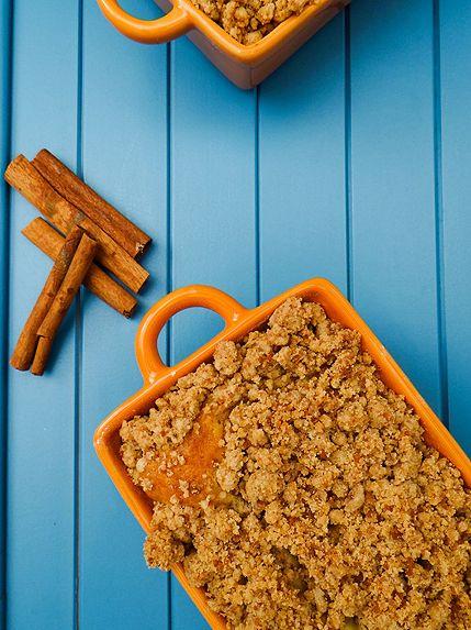 New York Crumb Cake - Travel Cook Tell