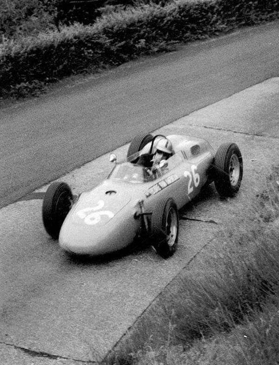 1963 German GP, Nurburgring : Gerhard Mitter, Porsche 718 #26, Ecurie Maarsbergen, Qual. (ph: © Schlegelmilch)
