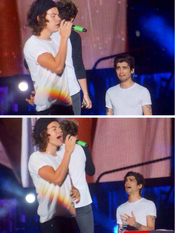 Zayn pretending to cry during Harry's solo hahah