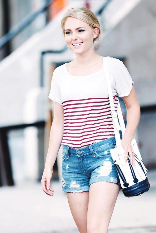 AnnaSophia Robb's simple day out wear; striped tee + denim shorts.