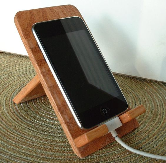 iphone ipod touch smart phone hand crafted wooden holder stand oak support de tablette. Black Bedroom Furniture Sets. Home Design Ideas