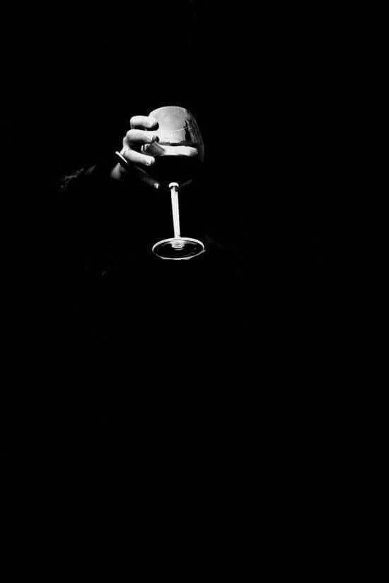 Black And White Black White Wallpapers 4k Free Iphone Mobile Games Wine Photography Wine Art Black And White Portraits