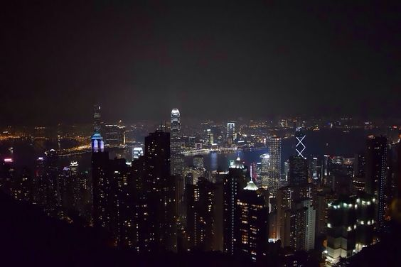The view from the top of Victoria Peak; it was really a long wait and queue to ride the tram but the wait was really worthwhile ^^