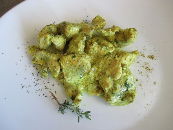 FORNELLI IN FIAMME: CHICKEN BREAST WITH GREEK YOGURT, THAI CURRY AND FRESH THYME (RECETTE AUSSI EN FRANCAIS) - Petto di pollo con yogurt greco, curry Thai e timo fresco