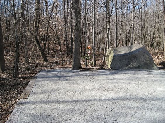 Patsy Cline Memorial Camden