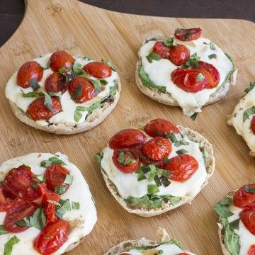 ::YUM Caprese Pizza. meal planning is easy, just follow the bombshell body 7 day meal plan::
