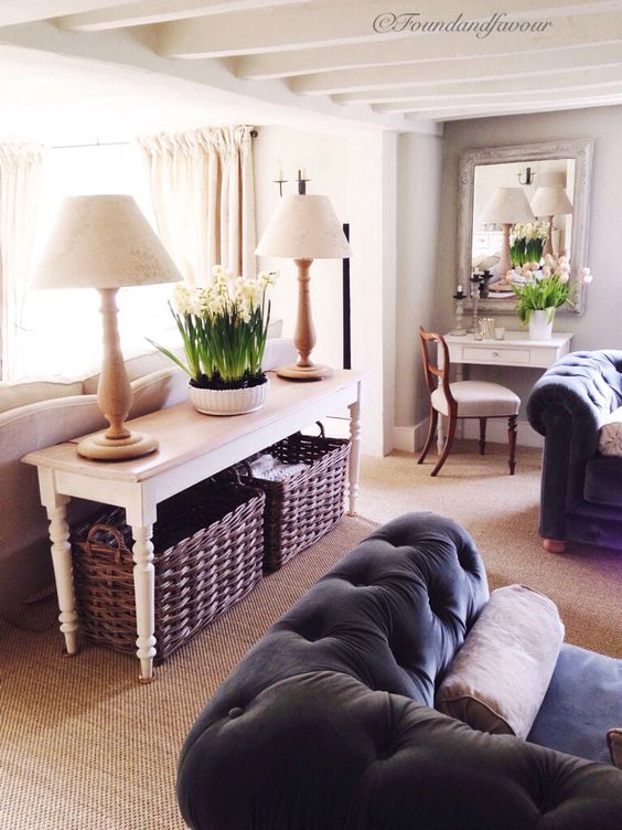 Surrey cottage interior by Found  Favour. Walls and beams in Autentico Milk and Bath Stone Chalk Paint/Krijtverf