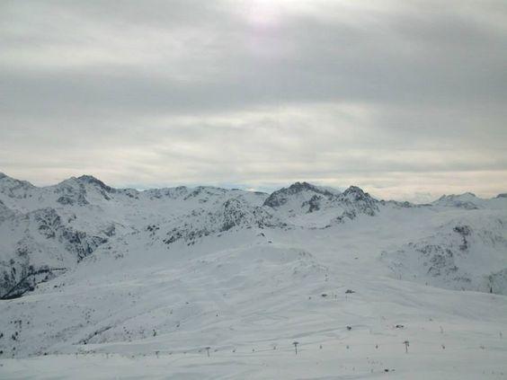 Vue panoramique du domaine skiable des Contamines-Montjoie