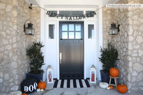 The kids are back to school, the leaves turn beautiful colors and fall, and before you know it, ghosts and goblins knock at your door for treats and parties. Welcome your Halloween guests with these creative door and porch decor ideas.: