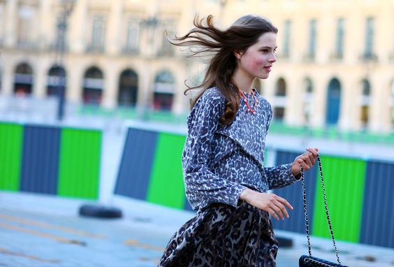 Street style couture fall 2012 Paris street color style