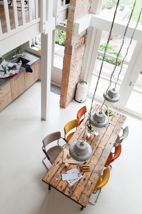 Table de salle à manger en bois brut