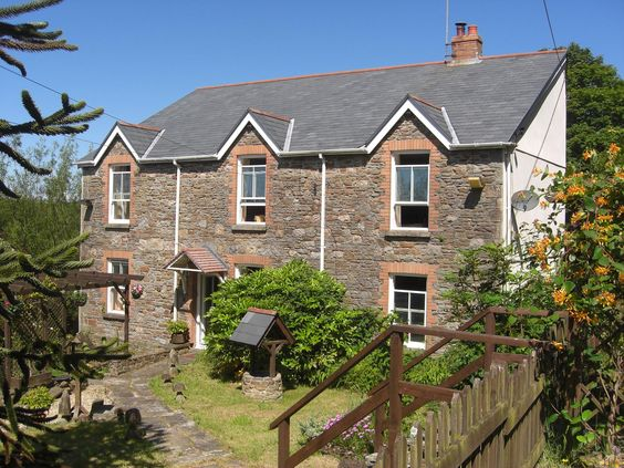 HFS0948, Swiss Valley Farm Asking Price £435,000 Location Swiss Valley, Llanelli | SA14 8LZ, #Online EstateAgency #Free Online Estate Agency #Online Houses for sale #Selling your house online #Free Property Valuatio nonline #Online Estate Agent