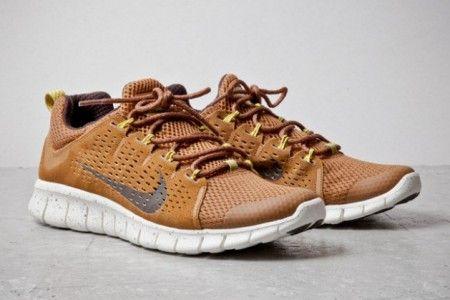 Nike Free Powerlines + II Coffee Suede