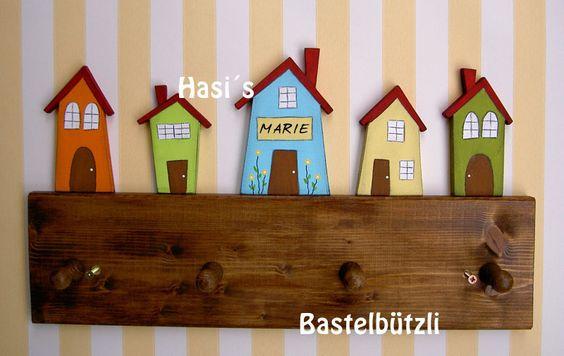 Kinder-Garderobe mit Häusern, Holz, Hakenleiste von Hasi´s Bastelbützli auf DaWanda.com