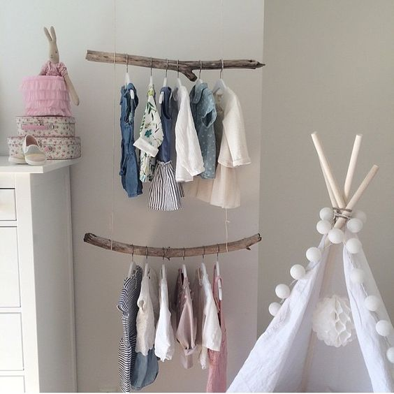 Brillant idea branches as clothes hangers expositores displays pinterest babies - Deco kamer jongen jaar ...