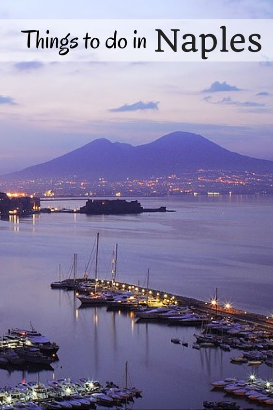 The Bay of Naples and Mount Vesuvius form one of the world's best known scenes   Free travel guides and itinerary-plans to Naples and Italy