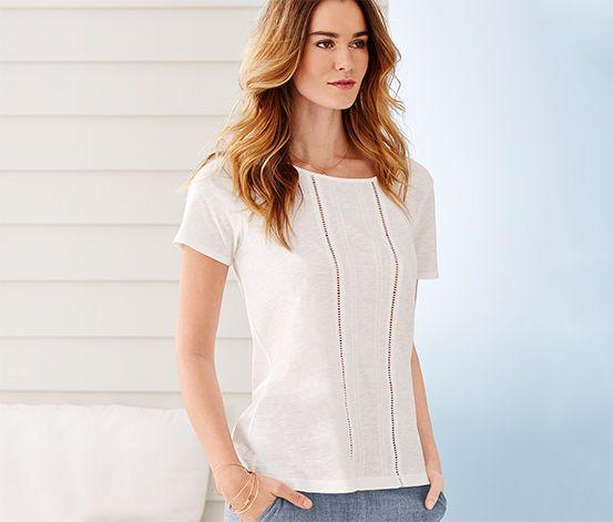 Shirt für 14,95 € - Aus weicher Baumwolle mit aufwändigen Häkeldetails auf der Vorderseite.