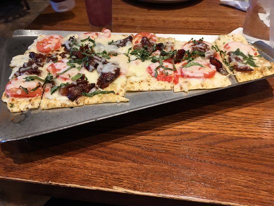 Granite City Brewery Bacon And Tomato Flatbread Pizza Bacon Flatbread Pizza Flatbread Pizza Recipes