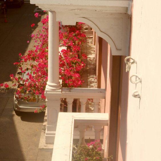 Balcon rosa en cartagena