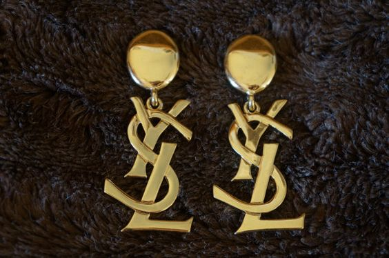 Reserved ICONIC SATC ( Kim Catrall ) Ysl Logo Earrings Clips Yves Saint Laurent 90's + BOX