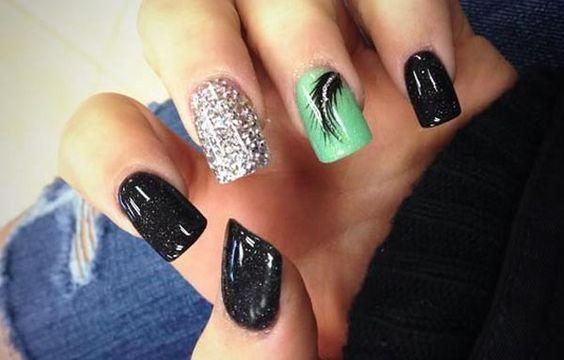 Diseños de uñas a la moda actual, diseño de uñas a la moda elegante.   #decoraciondeuñas #unhas #uñassencillas