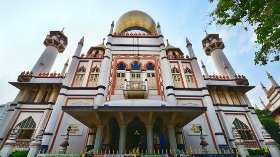 khu Kampong Glam - địa điểm thực sự chìm đắm trong các hoạt động lễ hội của Hari Raya ở Singapore.