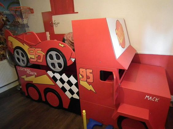 Lightning McQueen style bunk bed with by