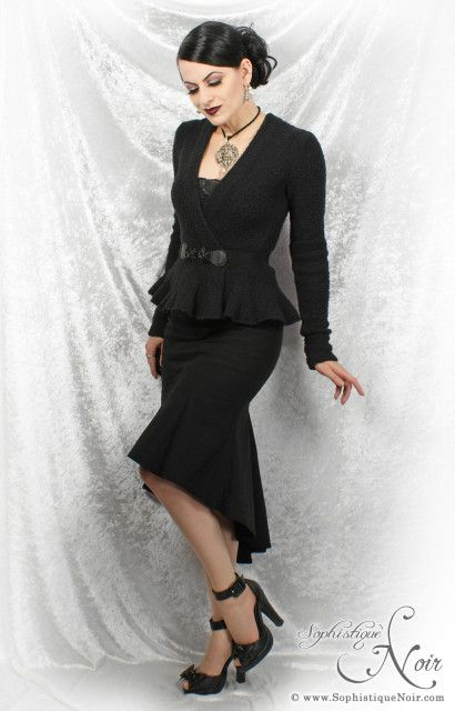 40s-Inspired Gothic Fashion
